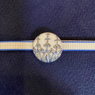 帯留め 洋風紋 九谷焼 青白 彩華 SAIGA 北村和義 磁器 帯どめ ブルー ※販売のみ