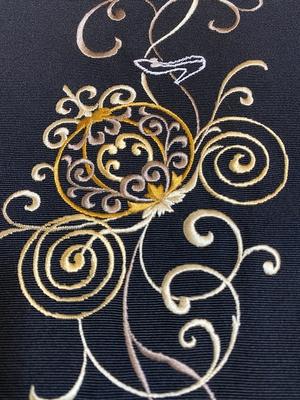 半衿 刺繍 シンデレラ 黒・ゴールド系 正絹 塩瀬 カボチャの馬車 衿秀 和装小物 ※販売のみ