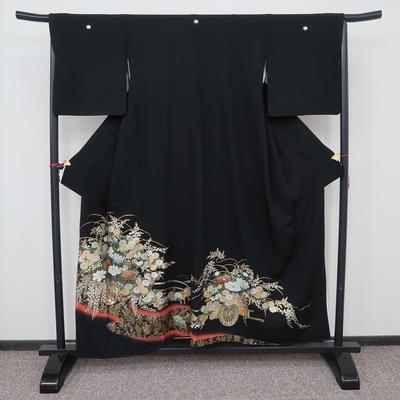 レンタル3泊4日 黒留袖 正絹 袷 金彩花車と赤ぼかし