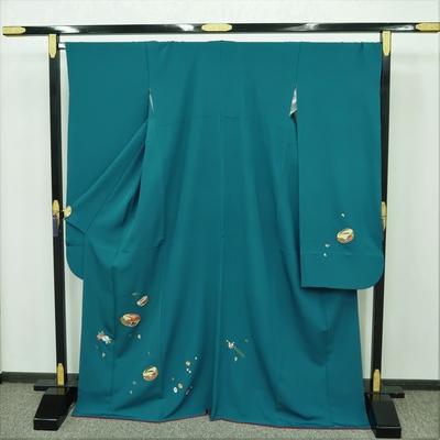 1月のレンタル 振袖 正絹 緑系 刺繍 ぽっくりと簪と桜菊