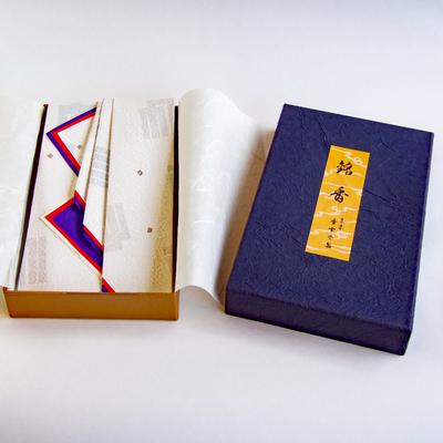 焼香 紫雲香(80g たとう化粧箱入)