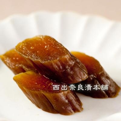 胡瓜(きゅうり)奈良漬 紙包  -  身が柔らかくなるまで熟成しました。どなたにも食べやすい定番の一品