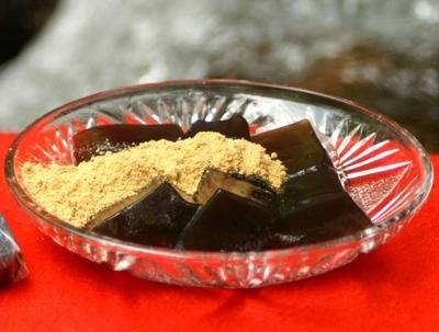 ひんやりわらび 丹波黒大豆煮汁
