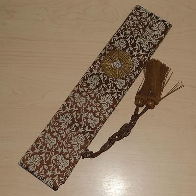 日蓮宗 折五条 小花柄 茶色