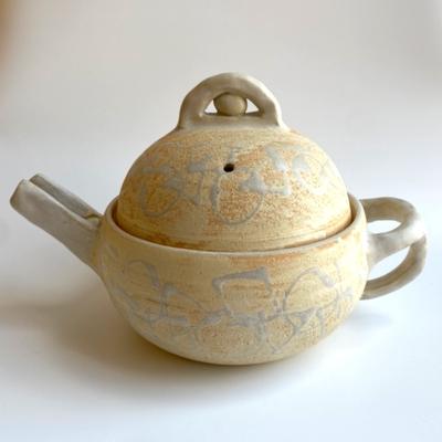 天水窯 白釉ポット型手造鍋