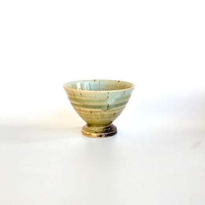 松本央 灰釉台付湯呑み