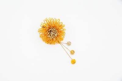 万寿菊のコサージュかんざし・からしゴールド