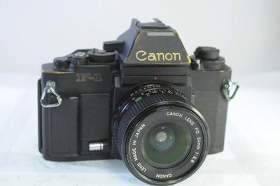 【B】キャノン CANON F-1 ボディ+24mm F2.8 シャッター全速・露出計完動・鳴きあり