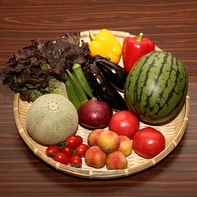季節の野菜とフルーツセット(野菜4~8種類と季節の果物1~2種詰合せて発送します※お野菜、果物の指定はできません)