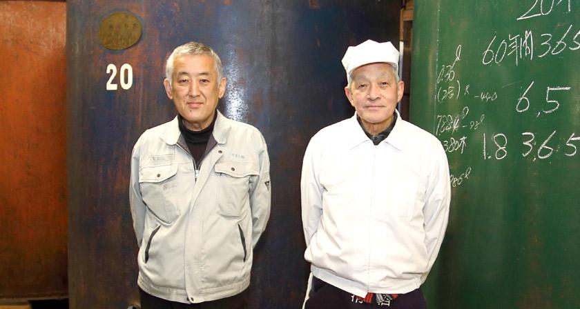 佐藤元さん(代表社員)、佐藤勝さん(杜氏)
