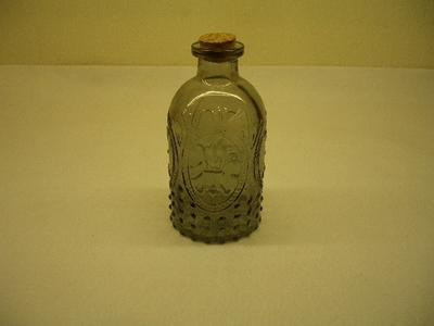 ガラス瓶 (コルク栓付き)