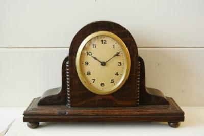 手巻き式置時計