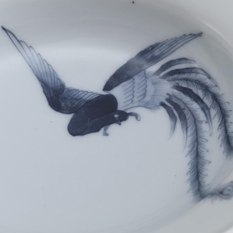 里見要之助 黒呉須(くろごす)染付鳳凰牡丹唐草文鉢