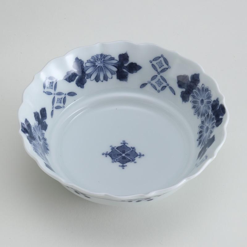 里見盛栄 黒呉須(くろごす)染付四弁花菊七宝文鉢