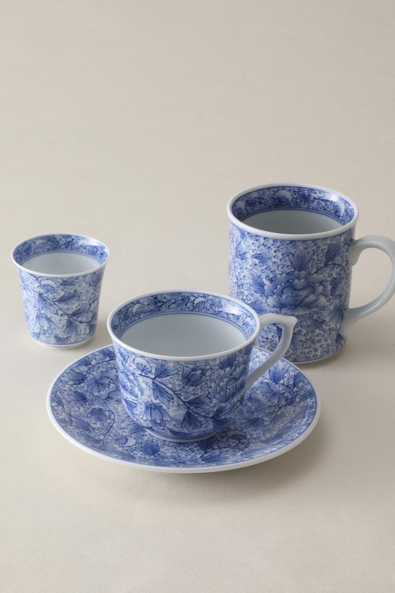 嘉久正窯:現代の代表作品:牡丹唐草マグカップ、牡丹唐草コーヒー碗皿、牡丹唐草ぐい呑み
