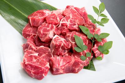 大福牛 スジ付き小角切り(煮込み用)1kg~