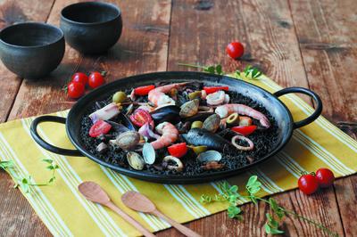 いかすみのパエリア・チキンと豆のパエリアセット