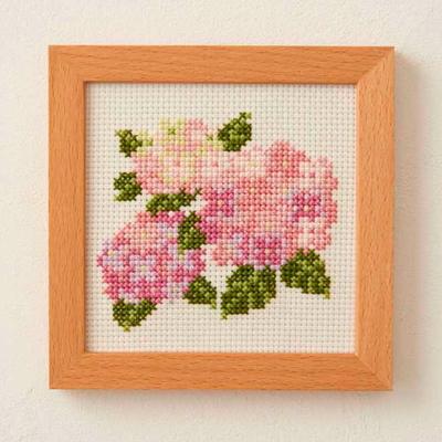 No.854 ルシアン 刺繍キット 小さな花のフレーム あじさい