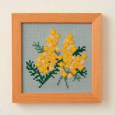 No.853 ルシアン 刺繍キット 小さな花のフレーム ミモザ