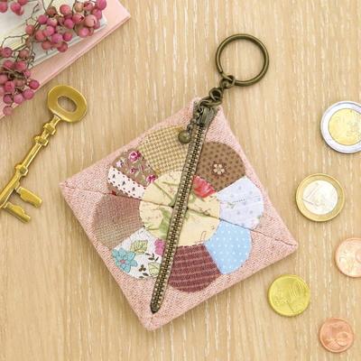 SP-19 オリムパス パッチワークキット かわいい小物たち デイジーのコインケース(ピンク)