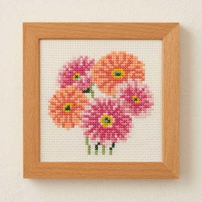 No.883 ルシアン 刺繍キット 小さな花のフレーム ガーベラ