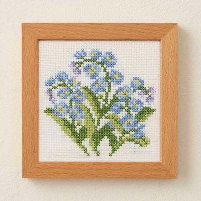 No.884 ルシアン 刺繍キット 小さな花のフレーム わすれな草