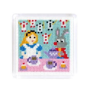 No.9060 オリムパス 刺繍キット ものがたりシリーズ マグネット 不思議の国のアリス