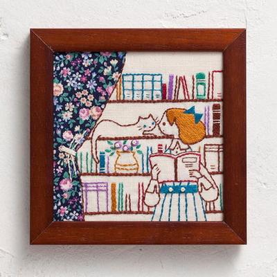 No.834 ルシアン 刺繍キット ねこと暮らす毎日 BOOK SHELF
