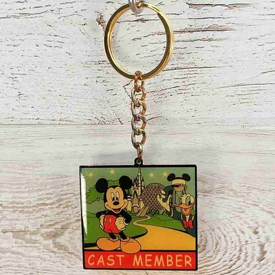 ウォルト ディズニーワールド リゾート キャスト 限定 メタル キーチェーン ミッキーマウス ドナルドダック 無料ギフトラッピング WDW キャストメンバー 通常一般購入不可のアイテム 1点のみ