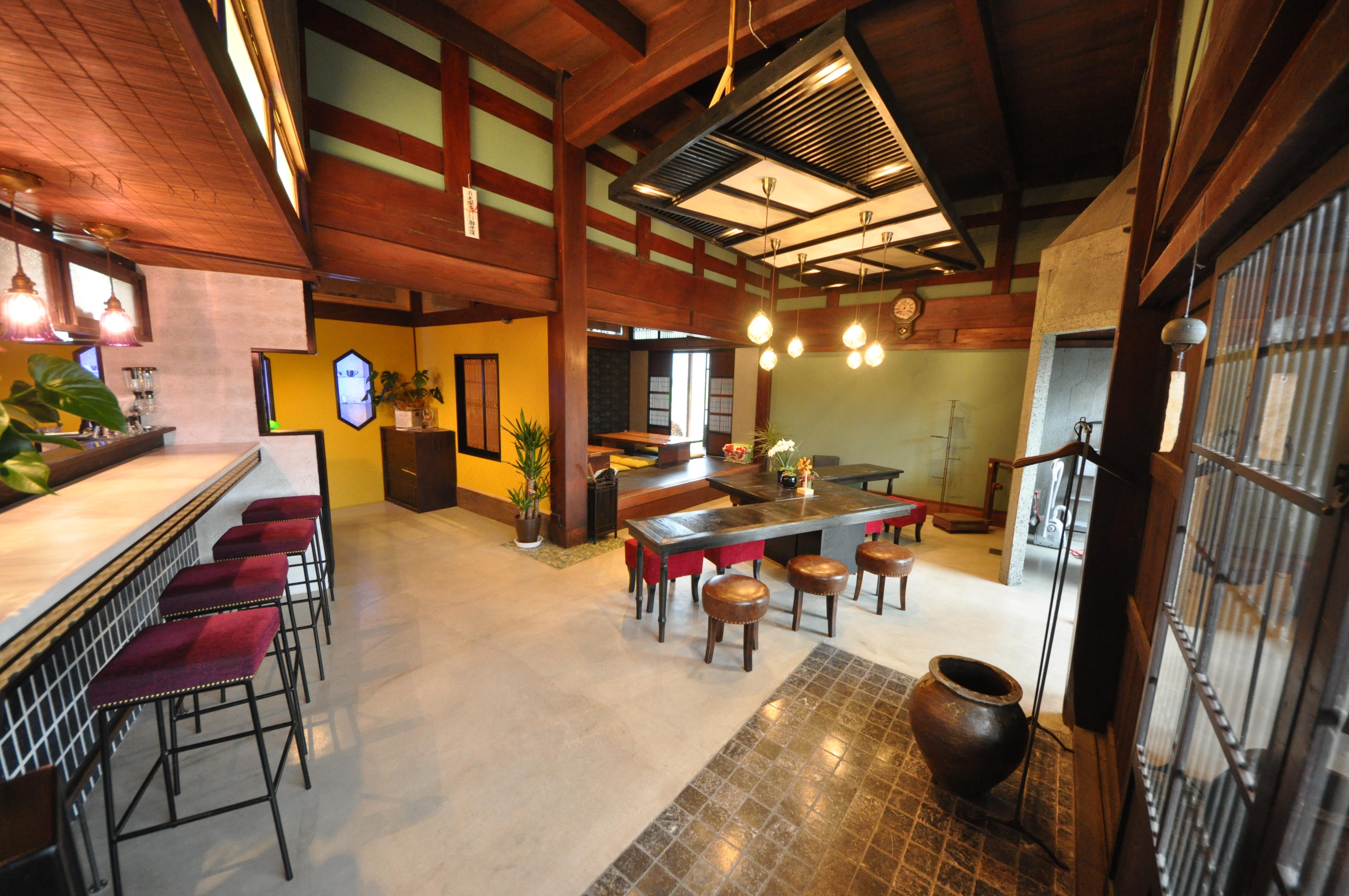 昭和八年建造の古民家を改装したカフェです。