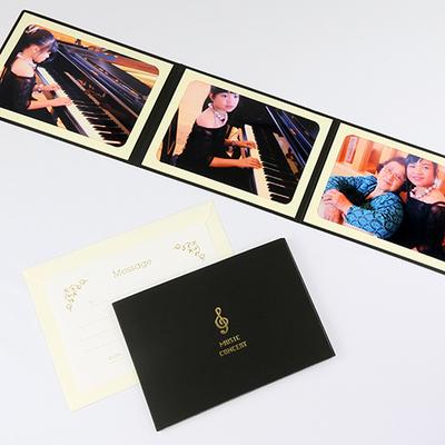 ポケット台紙 『MUSIC CONCERT/音符』 2Lサイズ 3面ヨコ 写真台紙 / ペーパーフォトフレーム 音楽発表会 ピアノ エレクトーン バイオリン