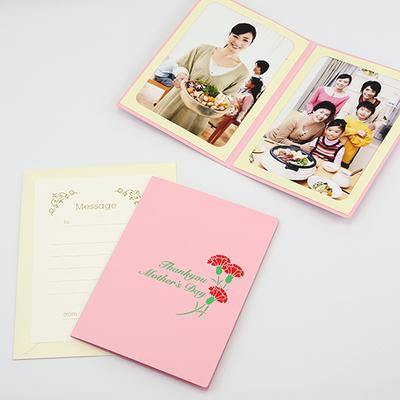 ポケット台紙 『 Mother's Day / カーネーション 』 Lサイズ 2面タテ 母の日 写真台紙 ペーパーフォトフレーム