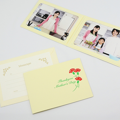 ポケット台紙 『 Mother's Day/カーネーション 』 Lサイズ 2面ヨコ 母の日 写真台紙 ペーパーフォトフレーム