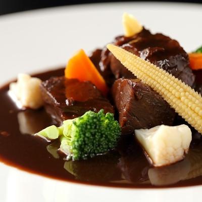 ほほ肉の赤ワイン煮 200g(ソース含む)×4個
