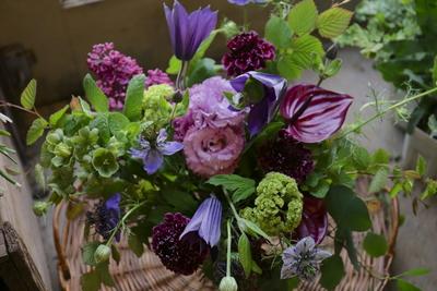 母の日 シックな紫のアレンジメント 早出し4月26日〜5月1日発送分