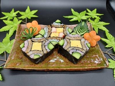 まぐろのそぼろ煮を使った飾り寿司
