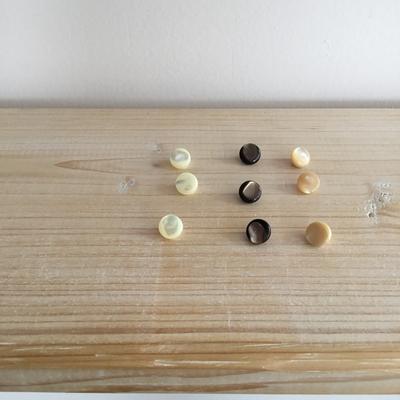 脚付き貝ボタン(8個入り)