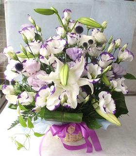 ホワイト&紫系のアレンジメント