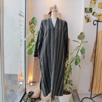 (lady's) mjuka / ミューカ ストライプカフタンワンピース black (Lop070)