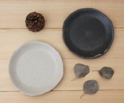 キナリ 黒 小皿 取り皿 銘々皿 15cm 丸皿 信楽焼