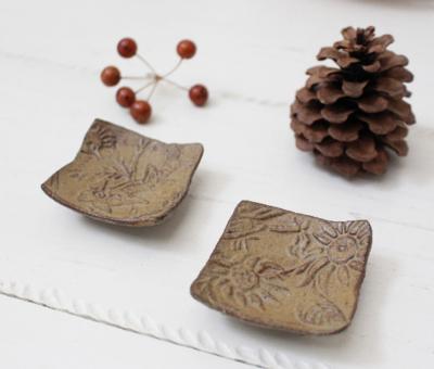植物モチーフ 豆豆皿 箸置き ボタニカル柄 廣川みのり 三つ足 陶器