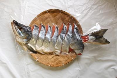 越季の新巻き鮭S【カット有】(送料込み)※出荷は12/5以降になります。