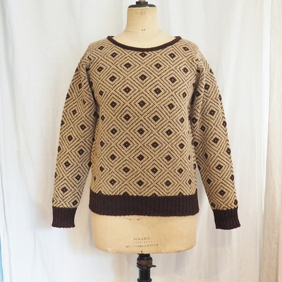 アジャスタブルコスチューム×ジェミーソンズ プリンスオブウェールズ タイプ2 ワイドクルーネックセーター beige