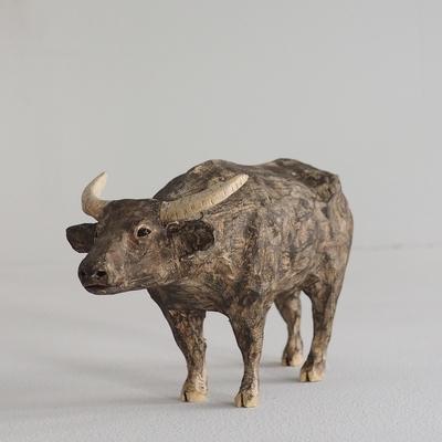 渡辺雅人『水牛(遠くを見つめる)』