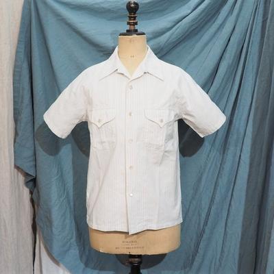 アジャスタブルコスチューム×フランボヤント オリジナル コットン ドビー ストライプ オープンカラーシャツ