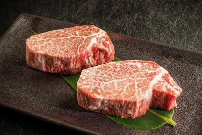 前沢牛・短角牛ヒレステーキ食べ比べ各150g×2枚