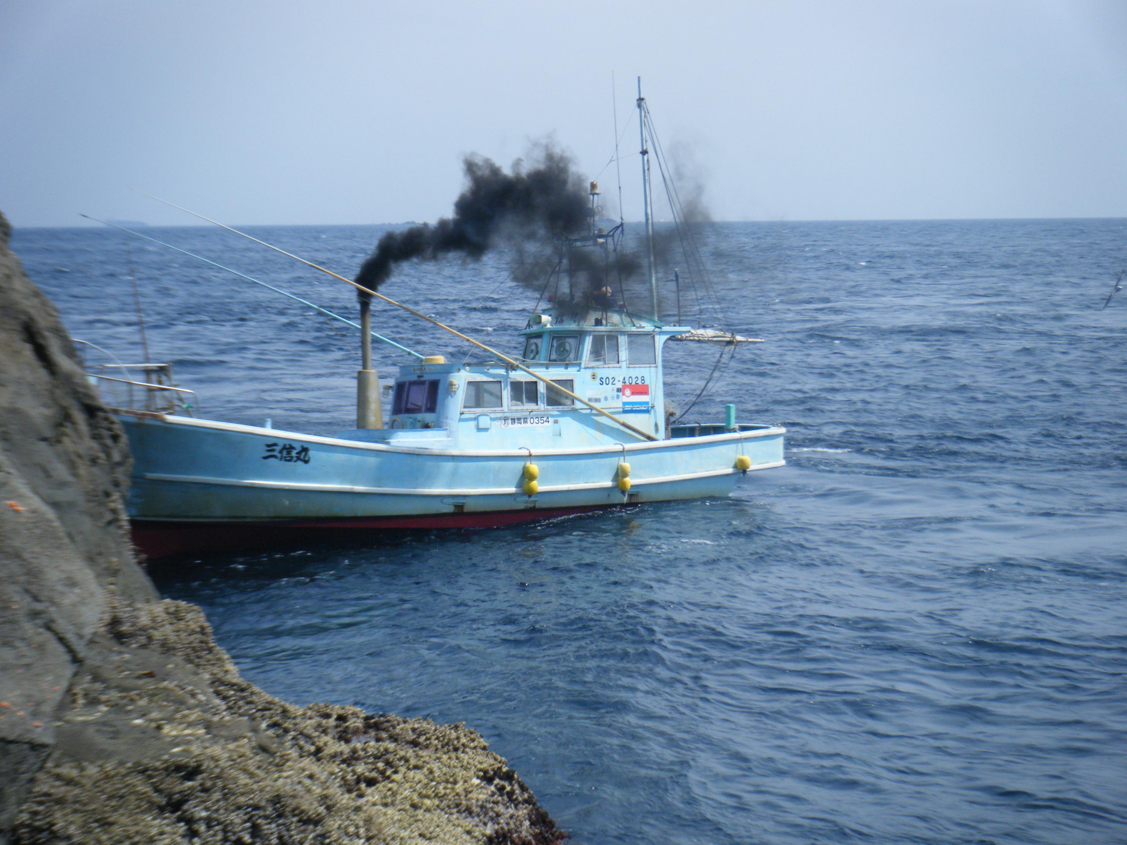 伊豆半島、諸島の磯釣りへ