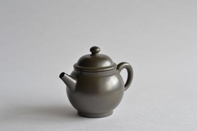 伊藤雅風/炭化茶銚(倶輪珠)