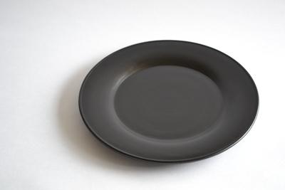 小倉広太郎/黒い皿 24cm