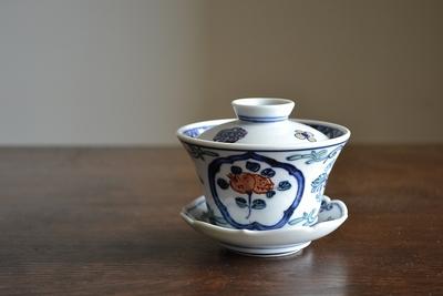 萠窯/蓋碗(色絵果実文)